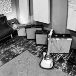 amps-guitar-live-room
