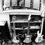 recording-electric-guitars-bw